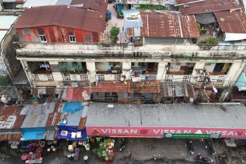 Overlook the market from Anan Saigon.
