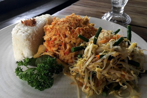 The excellent Balinese shredded chicken at Pregina's.