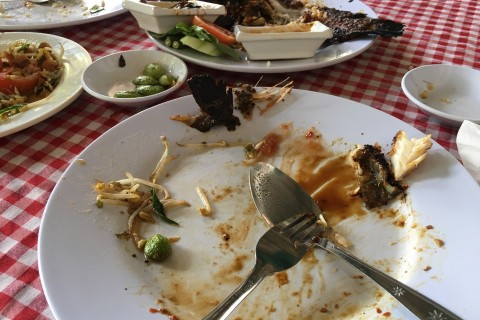 Oops, we did it again. Feeling full at Warung Parahyangan.
