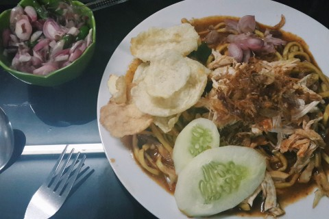 A plate of delicious at Mie Aceh Seulawah.