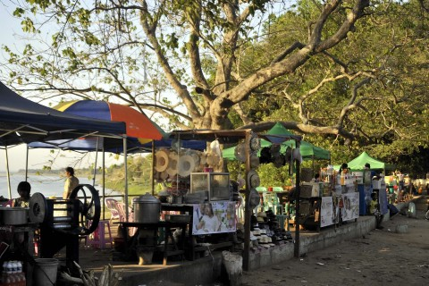 Snack stalls near Lawkananda Paya. Cheap, cheerful and fun!