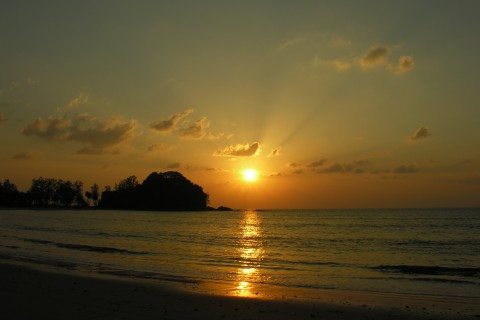 Ko Phra Thong knows how to do sunsets.