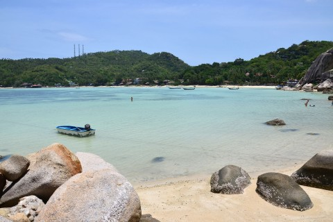 Rising tide at Chalok Ban Kao. Photo taken in or around Ko Tao, Thailand by David Luekens.