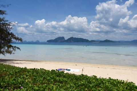 Ko Kradan's main beach is quite lovely. Photo taken in or around Ko Kradan, Thailand by David Luekens.
