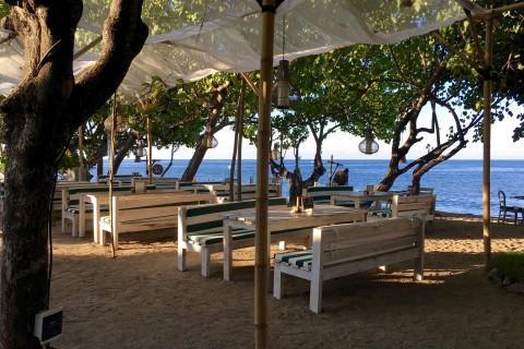 Beachside dining at Taman Sari.