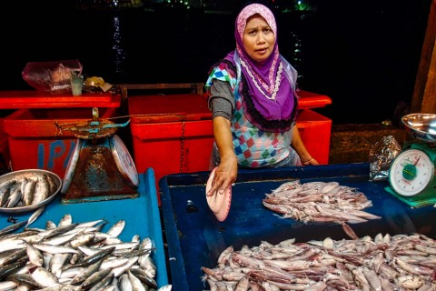 At the night market. Photo taken in or around Kota Kinabalu, Malaysia by Sally Arnold.