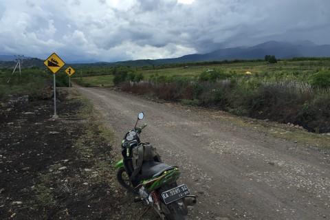 Biking around bits of Sumbawa.