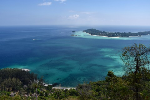 One of the most stunning views in Southern Thailand, we reckon. Photo taken in or around Daytrip from Ko Lipe to Ko Adang, Ko Adang, Thailand by David Luekens.