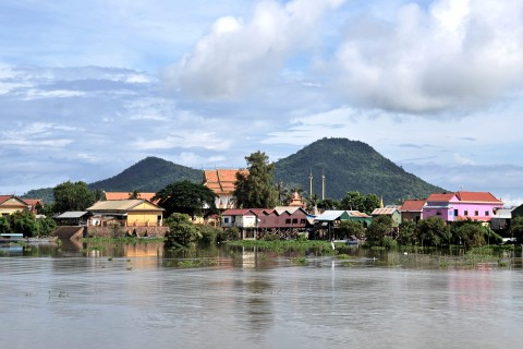 Arrival at Kompong Leaeng. Photo taken in or around Kompong Leaeng and the ancient temples, Kompong Chhnang, Cambodia by Mark Ord.