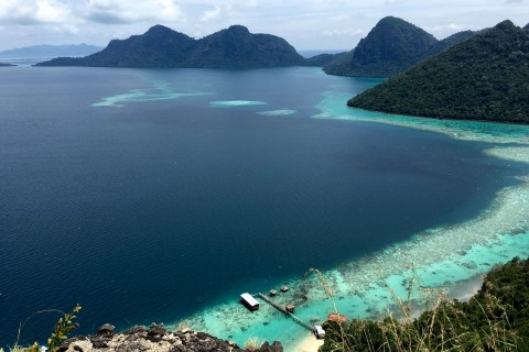 Views from the top of Bohey Dulang. Photo taken in or around Diving and snorkelling, Semporna And Sipadan Island, Malaysia by Sally Arnold.