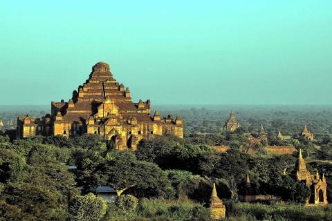 Dhammagan-gyi and surrounds.